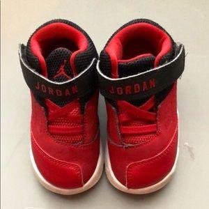 Toddler boys Jordan sneakers